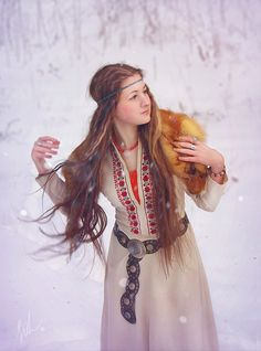 ancient Slavs, Slavic girl, Slavic Folk costume (inspiration- love this!)