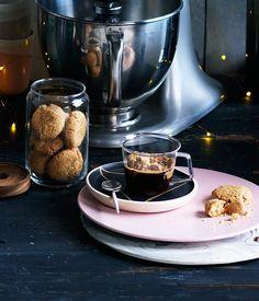Spiced brown sugar biscuits recipe :: Gourmet Traveller