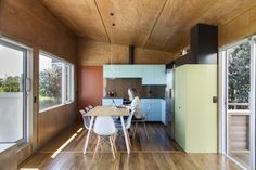 Image 1 of 21 from gallery of Field Way Bach  / Parsonson Architects. Photograph by Paul McCredie