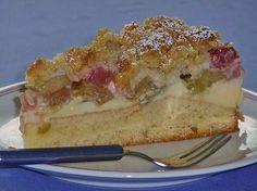 Plus Rezepte: Rhabarberkuchen mit Vanillecreme und Streusel