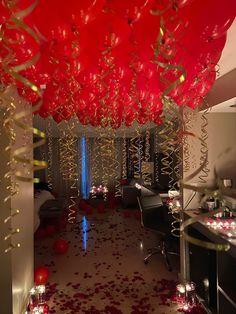 Romantic Valentines Day Ideas, Romantic Date Night Ideas, Cute Valentines Day Gifts, Romantic Room Decoration, Romantic Bedroom Decor, Birthday Room Decorations, Wedding Decorations, Romantic Room Surprise, Cute Date Ideas