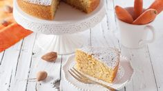 Almond, Carrot and Orange Cake - Take your carrot cake to the next level by adding the delicious taste of orange and almond to your dessert. The good news? This recipe couldn't be any easier. Wine Recipes, Baking Recipes, Orange And Almond Cake, Biscuit Cake, Bakery Cakes, Almond Cakes, Gluten Free Cakes, Sweet Bread, Carrot Cake