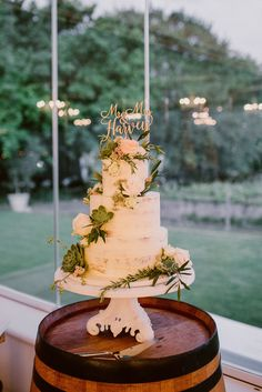 Chic Vineyard Wedding by Lad & Lass Photography | SouthBound Bride