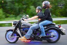 Мотоцикл Yamaha V-Star с подсветкой