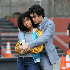 Yara Shahidi and Charles Melton filling 'The Sun is Also A Star' in China Town Tv Show Couples, Movie Couples, Cute Couples, Nicola Yoon Books, Mixed Couples, Interracial Couples, Great Movies, Celebs, Celebrities