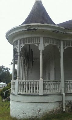 The John D. Taylor Jr. Home, Summerville Georgia-Abandoned and forgotten for decades...help this little town save her! https://www.facebook.com/SaveTheTaylorHouse