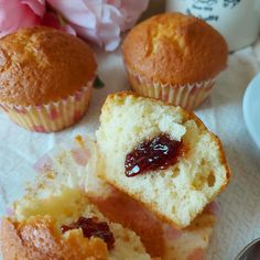 MUFFIN YOGURT E MARMELLATA dolce senza burro Biscotti, Dolce, Muffins, Breakfast, Food, Morning Coffee, Muffin, Essen, Meals