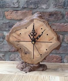 Clock London plane burl                                                                                                                                                                                 More Diy Clock, Clock Art, Cool Clocks, Rustic Wall Clocks, Wooden Clock, Wooden Art, Rustic Walls, Wooden Walls, Wood Projects
