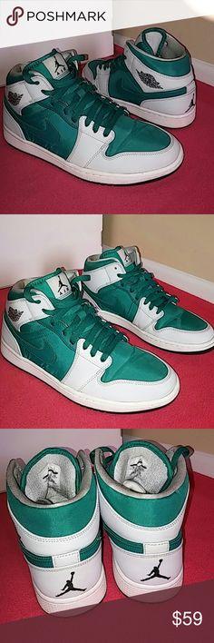 quality design 6e3a5 ad161 Nike Air Jordan Retro 1 Mid GreenLight Gray This is a 2014 Jordan 1