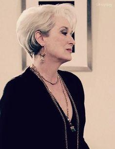 side view of Miranda Priestly hair Meryl Streep, Miranda Priestly, Corte Bob, Devil Wears Prada, Mature Fashion, Wig Hairstyles, Brown Hair, Makeup Looks, Short Hair Styles