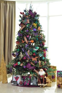 i love this Christmas tree