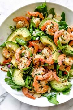 This simple, flavorful shrimp salad makes the perfect meal-prep meal for lunch or dinner thanks to pan-seared citrus shrimp, avocado, and sliced almonds. Shrimp Avocado Salad, Avocado Salad Recipes, Prawn Salad, Clean Eating Recipes, Healthy Recipes, Keto Recipes, Juice Recipes, Ketogenic Recipes, Spring Mix Salad