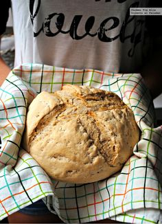 Pan con masa madre. Receta de cocina fácil, sencilla y deliciosa Pan Bread, Recipes, Food, Chocolates, Ideas, Kitchens, How To Make, Sourdough Bread, Recipies