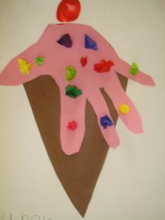 @Sarah Swearingen this is a cute  handprint art project ice cream  related.