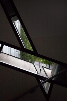 Galería - El Museo Judío de Berlín de Daniel Libeskind fotografiado por Laurian Ghinitoiu - 13
