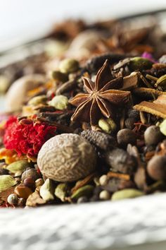An authentic Moroccan recipe explaining how to make Ras el Hanout spice blend. Adds wonderfully aromatic and exotic seasoning to your cooking.