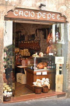 """grocery store """"Cacio, Pepe e...."""", Assisi, #Italy #shop #storefront"""