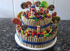 Aprenda com fazer Popcakes (Pirulitos de bolo cobertos com Casquinha de Chocolate) e decorados com Granulados de acordo com o gosto