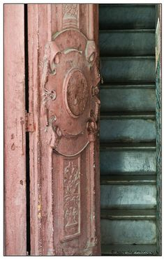 ..rouge door