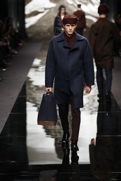 Look from the Louis Vuitton Men's Fall/Winter 2013-2014 Fashion Show.  © Ludwig Bonnet / Louis Vuitton