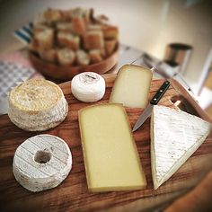 You have got to love a good plateau de fromage - yummy. #france #cheese