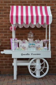 Discover thousands of images about Candy bar cart. Cheap Modern Furniture, Bar A Bonbon, Sweet Carts, Ice Cream Cart, Candy Cart, Tea Cart, Flower Cart, Craft Show Displays, Candy Store