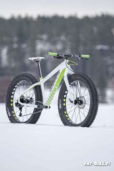 May the Bike be with you! Fat Bike, Hardtail Mtb, All Mountain Bike, Montain Bike, Basket Sneakers, Cycling Bikes, Sport Bikes, Cool Bikes, Green Salsa