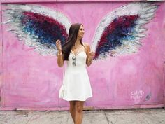 New wall street art murals los angeles ideas Graffiti Girl, Graffiti Murals, Street Art Graffiti, Los Angeles Photography, Melrose Avenue, Angel Wings Wall, Street Artists, French Artists, Street Photography