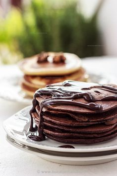 Clatite pufoase cu cacao   Bucatar Maniac Sweet Breakfast, Breakfast Recipes, Cacao Recipes, Kakao, Crepes, Pancakes, Easy Meals, Food And Drink, Sweets