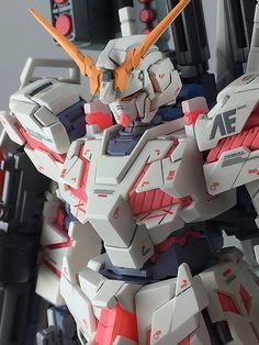 1/144 HGUC Full Armor Unicorn Gundam
