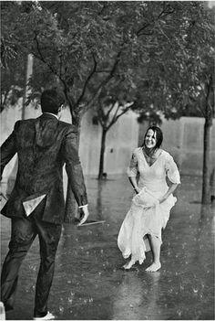 Dancing in the rain - Regen tanzen – Dance in the rain – the dance - Wedding Fotos, Wedding Album, Wedding Tips, Wedding Dress, I Love Rain, Singing In The Rain, What A Wonderful World, Dance Moms, Rainy Days