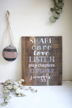 Rustic home decor. Customized family quotes or phrases. Family Rules Sign, Family Quotes, Share Care, Wood Windows, Old Barns, Weathered Wood, Home Signs, Old Houses, Wedding Signs