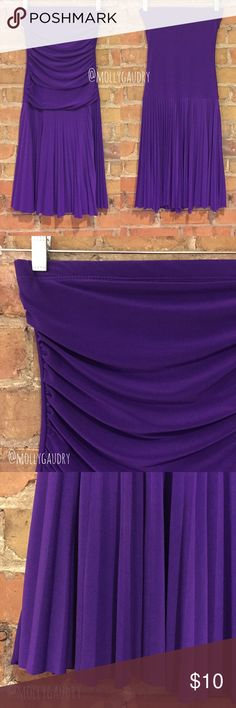 """CAPRICHO Purple Strapless Ruched Pleated Dress A while ago, I picked this up at a thrift store for an '80s party costume. Fits like an XS-S. Tube top measures 12.5"""" flat or up to 14.5"""" stretched, 13.5"""" waist up to 16"""" stretched, and 33"""" length from top of dress to hem. Probably a spandex/poly blend. CAPRICHO Dresses Strapless"""