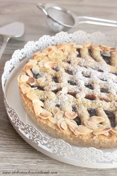 Dolcemente Inventando : Linzer Torte: la torta più vecchia del mondo Linzer Tart, Sweets Cake, Daily Meals, Sweet Memories, Apple Pie, Biscuits, Cookies, Desserts, Recipes