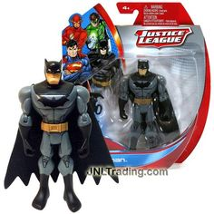 Mattel Year 2013 DC Justice League Series Exclusive 5 Inch Tall Action Figure - BATMAN Y9122 with Batarang