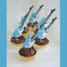 Bass Guitar cupcakes - Cake by Guilt Desserts