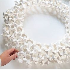 amazing paper work that i really love ! Origami Design, Paper Art, Photo And Video, Amazing, Instagram, Videos, Photos, Paper Art Design, Pictures