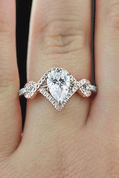 24 Engagement Ring Shapes and Cuts - Total Jewelry Photo Guide ❤ See more: http://www.weddingforward.com/engagement-ring-shapes/ #wedding #engagement #rin #gorgeousweddingringsjewelry #weddingring