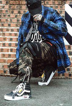 Pantalon Cargo Off-Camo Mode Camouflage, Pantalon Streetwear, Pantalon Cargo, Style Japonais, Japan Fashion, Golf Bags, Street Wear, Street Style, Designer