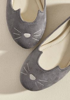 Mew and Me Forever Flat in Grey - Fetching, fierce, and infinitely adorable - that's how you describe these cute ballet flats from T.U.K.! This grey, vegan faux-suede pair features ear details and an embroidered cat face so you can pounce on countless opportunities for standout style.