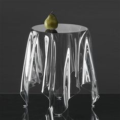 Essey Illusion Table, Clear