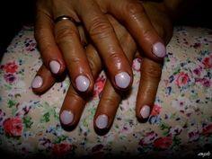 """Powder pink & """"Mermaid Effect"""" nails- hybrid my mom <3"""