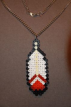 collier pendentif plume perles hama