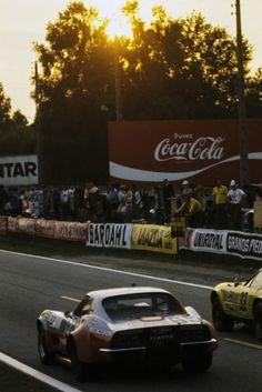 Chevrolet Corvette, Ferrari, Claude, Le Mans, Race Cars, Corner, Racing, Drag Race Cars, Running