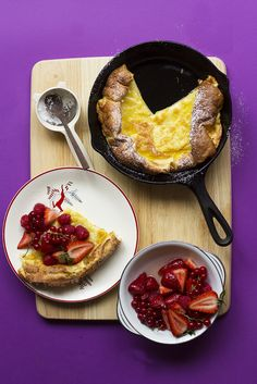 Vanilla Bean Dutch Baby with Ginger Berry Salad // The Sugar Hit!