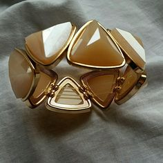 The Limited Stretchy Bracelet Peach color with gold trim diamonds. One size. Excellent condition! The Limited Jewelry Bracelets