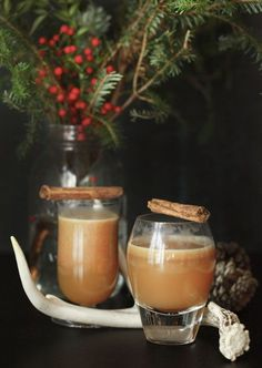 Hot Bourbon / Image via: Jen Altman #entertaining #holiday
