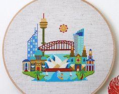 Pretty Little New York  Modern Cross stitch por SatsumaStreet