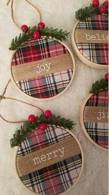 Christmas Ornaments To Make, Christmas Projects, Christmas Fun, Holiday Crafts, Farmhouse Christmas Ornaments, Rustic Christmas Tree Decorations, Rustic Christmas Crafts, Holiday Decor, Farmhouse Christmas Trees