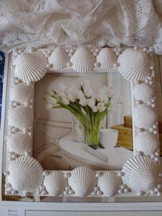 New Picture Frame Wall Decor Ideas Seashell Picture Frames, Seashell Frame, Unique Picture Frames, Picture Frame Crafts, Seashell Projects, Seashell Crafts, Frame Wall Decor, Frames On Wall, Picture Frame Inspiration